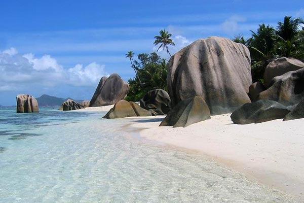 guadeloupe-beach